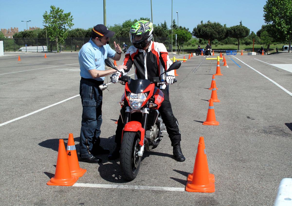 formacion-y-consejos-para-motociclistas